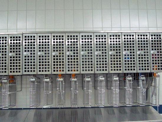 Nummerierte Messerkorb-Sicherungsschränke