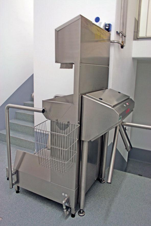 Hygienic-Station mit rückseitigem Drehkreuz